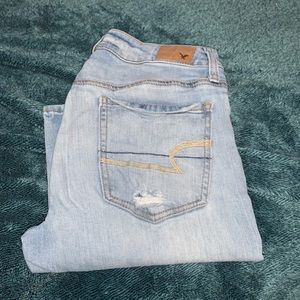 American Eagle baggy jeans